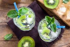 Bebida do quivi (cocktail) Imagens de Stock Royalty Free