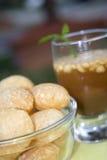 Bebida e alimento indianos tradicionais imagem de stock royalty free