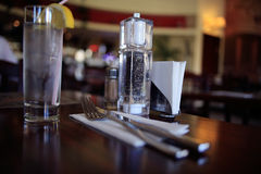 Bebida en la tabla en café Foto de archivo libre de regalías