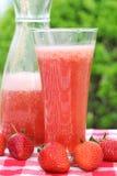 Bebida fresca da morango do verão Fotos de Stock
