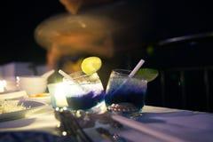 Bebida líquida en la noche en verano caliente en el hin de hua de Tailandia foto de archivo
