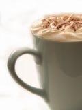 Bebida morna do chocolate no copo no branco Imagens de Stock Royalty Free