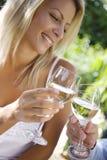 Bebida no jardim Imagens de Stock