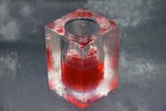 Bebida roja en la barra del hielo Fotografía de archivo
