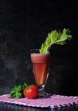 Bebida sana del jugo vegetal Fotos de archivo
