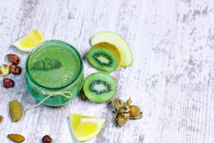 Bebida saudável - batido verde Imagens de Stock