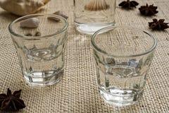 Bebida tradicional Ouzo ou Raki fotografia de stock royalty free