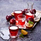 Bebida transparente da ameixa foto de stock
