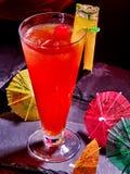 Bebida vermelha com cereja e abacaxi 53 Fotografia de Stock Royalty Free