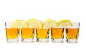 Bebida y limón Imágenes de archivo libres de regalías