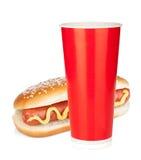 Bebida y perrito caliente de los alimentos de preparación rápida Imágenes de archivo libres de regalías