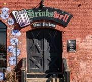 Bebidas bien en Louisville fotos de archivo