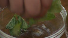 Bebidas & chá naturais saudáveis vídeos de arquivo