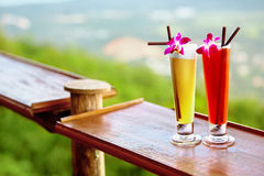 bebidas Cocktail do verão no restaurante tropical Curso a Thail imagem de stock royalty free