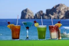 Bebidas coloridas de la barra en Cabo San Lucas Mexico Imagen de archivo libre de regalías