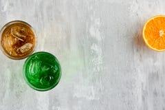 Bebidas coloridas en vidrios Foto de archivo