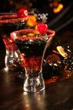 Bebidas de Halloween - cocktail do sangue do diabo fotografia de stock royalty free