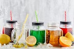 Bebidas de la soda en fondo ligero Imagenes de archivo