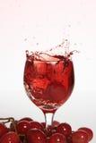 Bebidas de la uva del chapoteo Fotografía de archivo