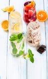 Bebidas de refrescamento do verão Fotos de Stock