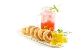 Bebidas de refrescamento do verão no frasco Fotografia de Stock Royalty Free