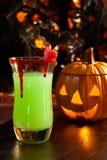 Bebidas de Víspera de Todos los Santos - coctel del beso del vampiro Foto de archivo