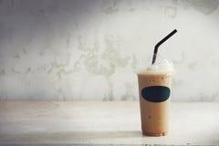 Bebidas del frío en un fondo blanco Fotografía de archivo libre de regalías