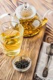 Bebidas del té verde del chino tradicional foto de archivo