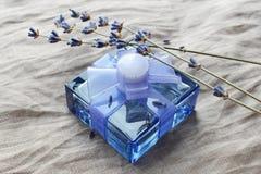 Bebidas espirituosas con un olor de la lavanda Imagenes de archivo