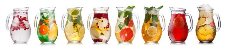 Bebidas frías en jarras Imagen de archivo libre de regalías