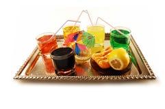 Bebidas não alcoólicas em uma bandeja Fotos de Stock Royalty Free