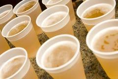 Bebidas na tabela Foto de Stock Royalty Free