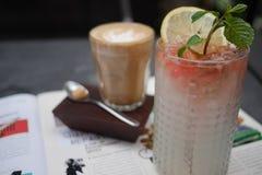 Bebidas para dois Fotos de Stock