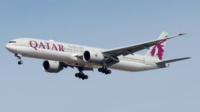A7-BEC,卡塔尔航空,波音777-300 免版税图库摄影