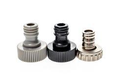 Bec ou connecteurs de tuyau de l'eau de jardin d'isolement sur le fond blanc image stock