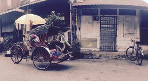 Becek bicylce i Georgetown, Penang, Malaysia Royaltyfria Foton