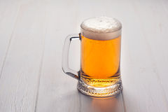 Becher Bier stockbild