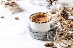 Becher heiße Schokolade stockfoto