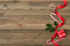 Becher heiße Schokolade mit Schal eibische Lizenzfreie Stockbilder