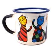 Becher mit gemalter Katzeabbildung Lizenzfreie Stockbilder