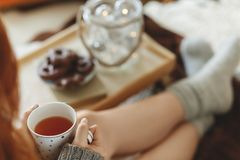 Becher mit Tee stockfoto