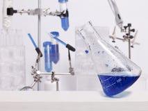 Becher pendente di scienza Immagine Stock Libera da Diritti