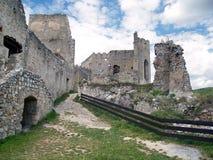 Beckov城堡的里面废墟  免版税图库摄影