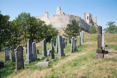 Beckov - vecchio cimitero ebreo sotto il castello Immagini Stock