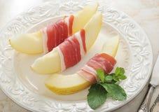 Becon och melon skinka Traditionell spanjormaträtt Fotografering för Bildbyråer
