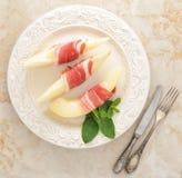Becon och melon skinka Traditionell spanjormaträtt Royaltyfria Bilder