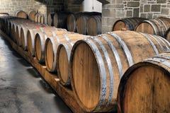 Beczki w wino lochu Zdjęcie Royalty Free