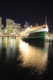 bedårande flottörhus hamnrestaurang Arkivfoto