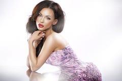 Bedöva brunettskönhet Fotografering för Bildbyråer