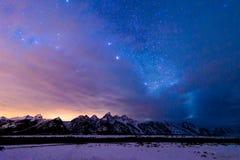 Bedöva den stjärna fyllda storslagna Teton nationalparken Arkivbilder